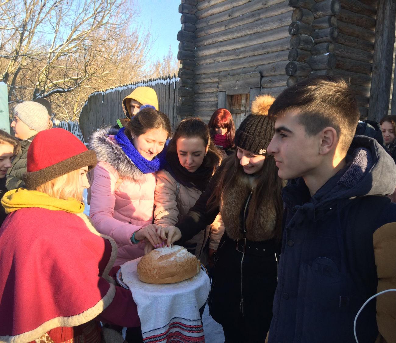 Четверта поїздка талановитих дітей Бессарабії до Києва